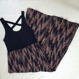 Mudd Floral Print Maxi Dress w/crisscross back. XL